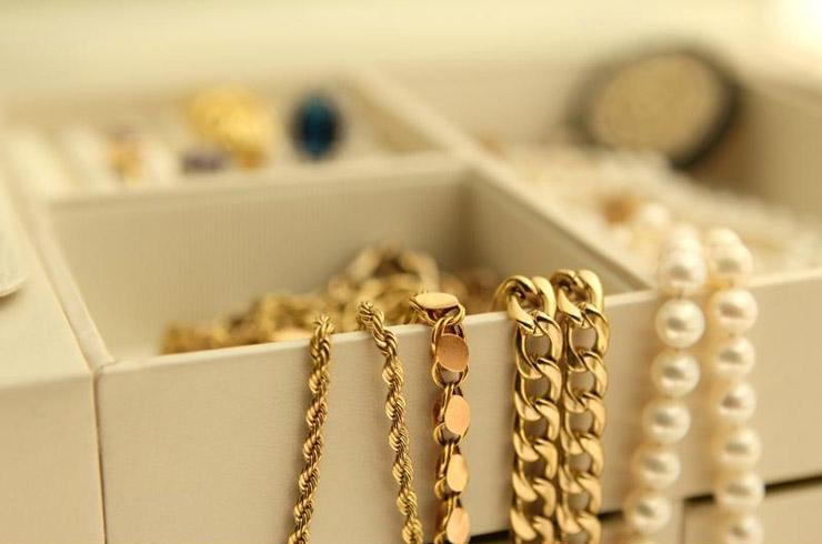 بسته بندی جواهرات برای اسباب کشی